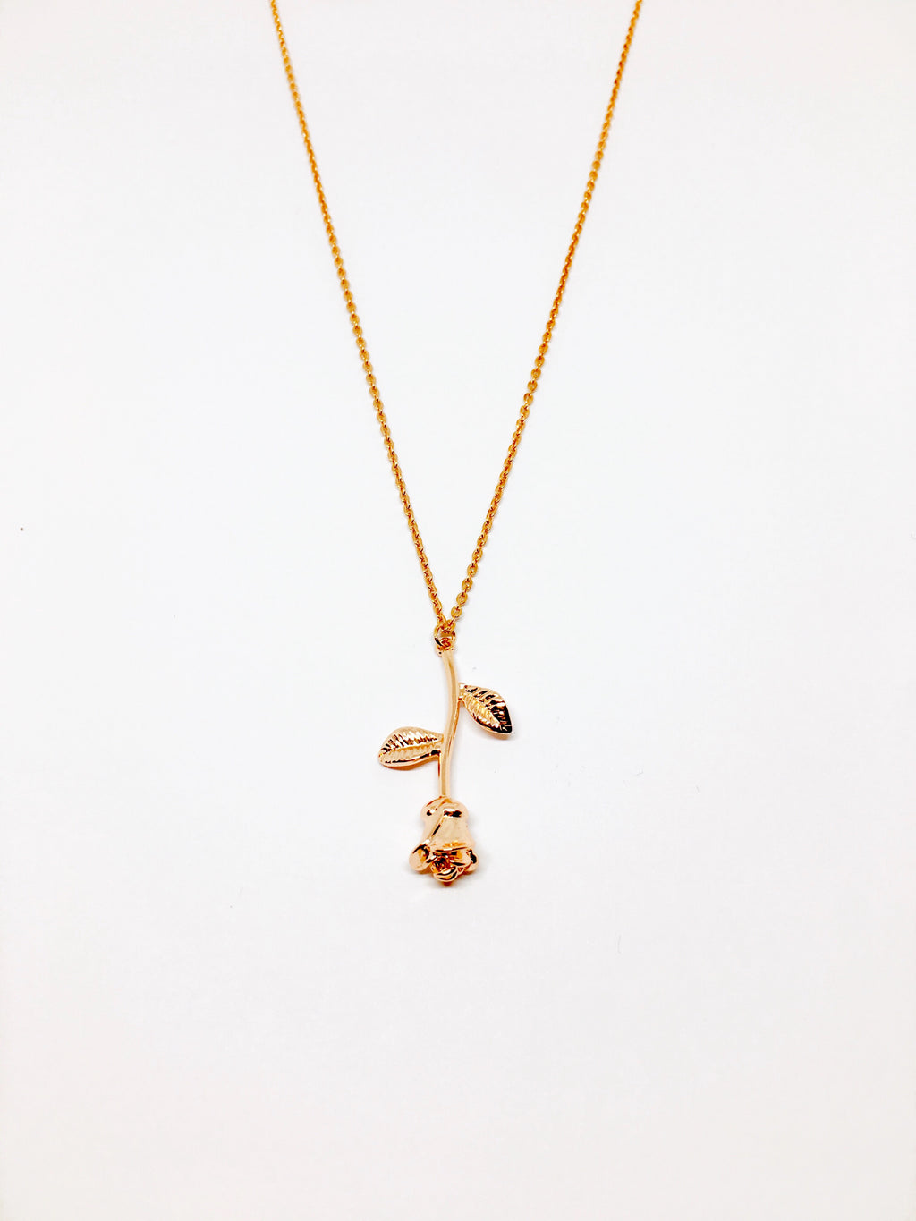 EXCLUSIVE ROSÉ NECKLACE