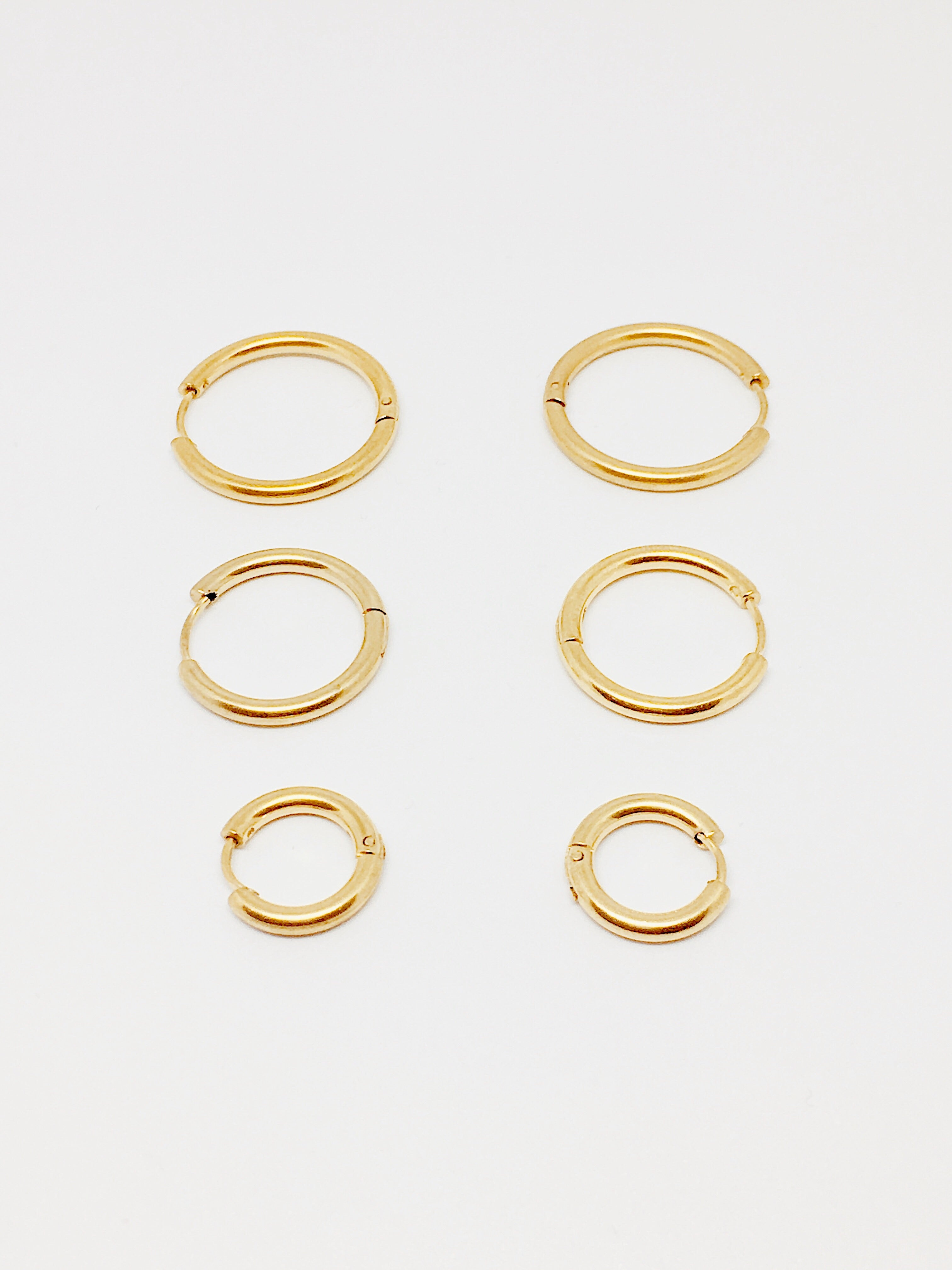GOLD HOOPS M