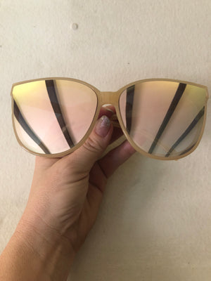 Soft pink mirror sunglasses