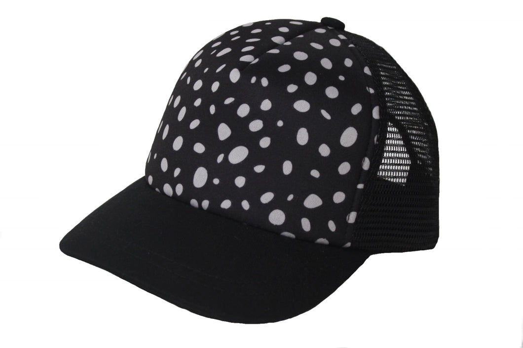 TRUCKER HAT - Painted Dots