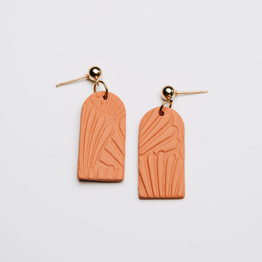 Archway Shell Drop Earrings in Golden