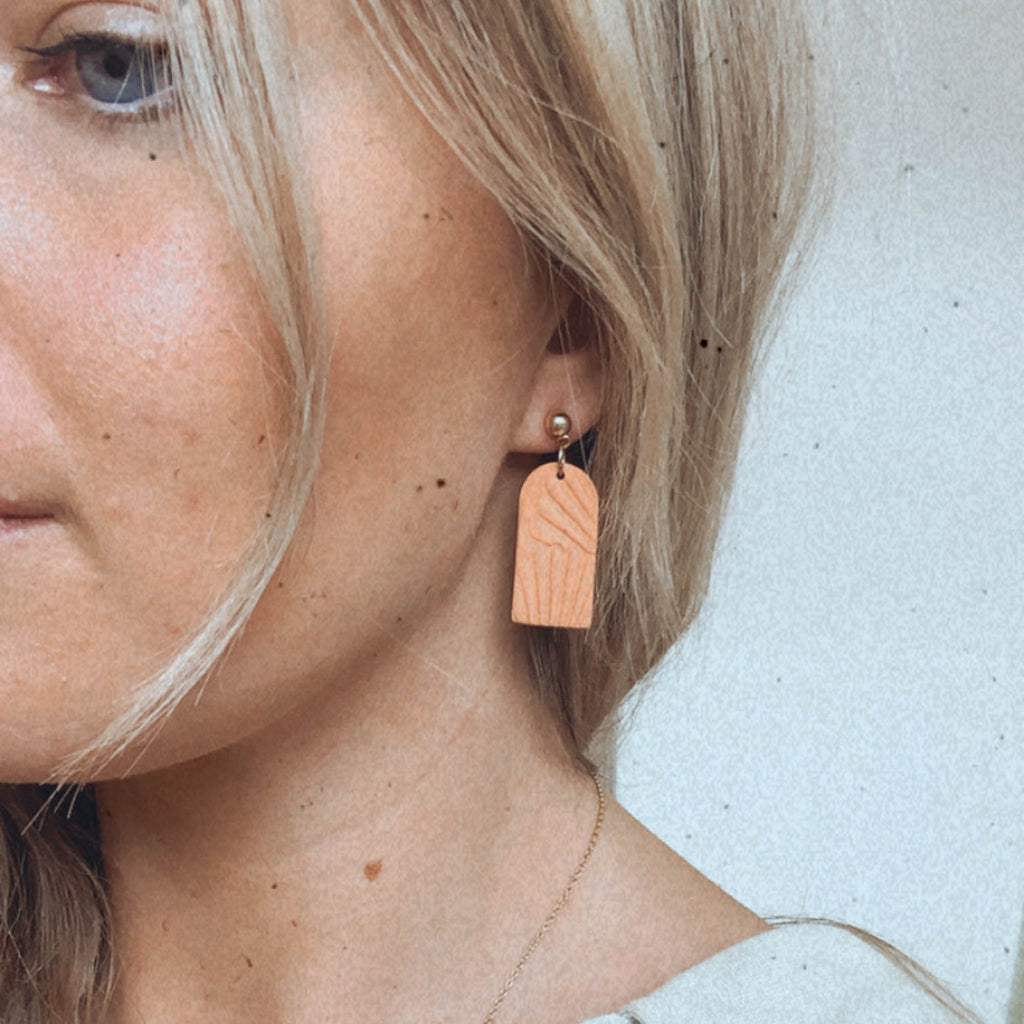 Archway Shell Drop Earrings in Peach