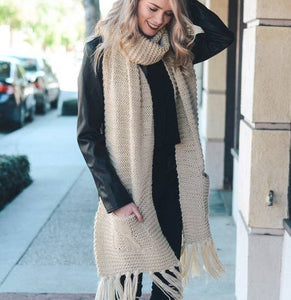 Chunky knit long scarf with pockets