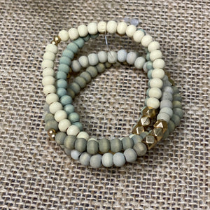 Wooden bead stretch bracelet
