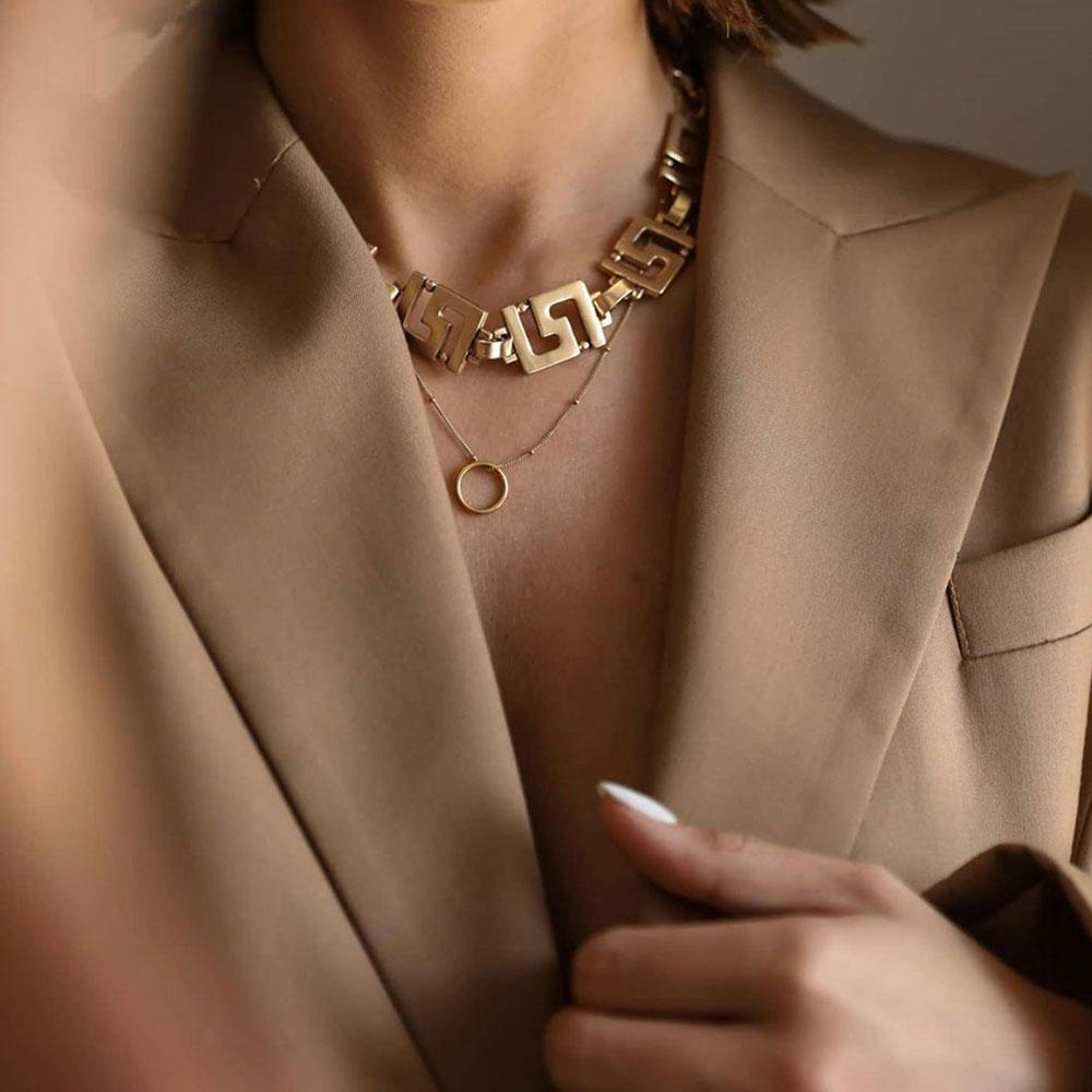 Kitte Icon Necklace in Gold