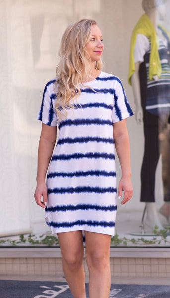 Nally & Millie Soundwave Print Short Sleeve T-Shirt Dress - Navy/White