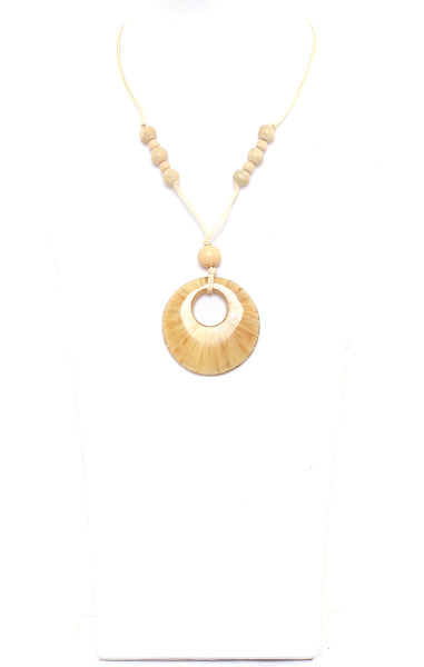 Alisha.D Circle Drop Pendant Necklace - Cream