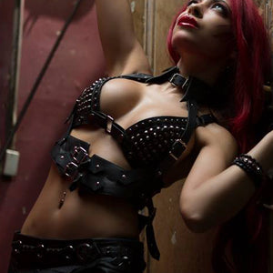 Horn Harness on model Shelly Scarlet