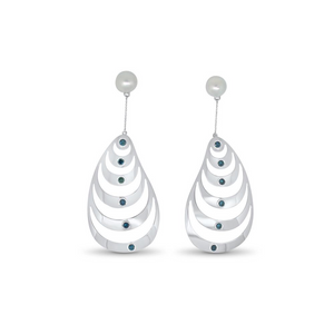 Oysters Earrings by Lisa Lesunja, White Gold 750 18K with 12 Blue Brilliant Cut Diamonds 1.42ct. and 2 South Sea Pearls (7550)