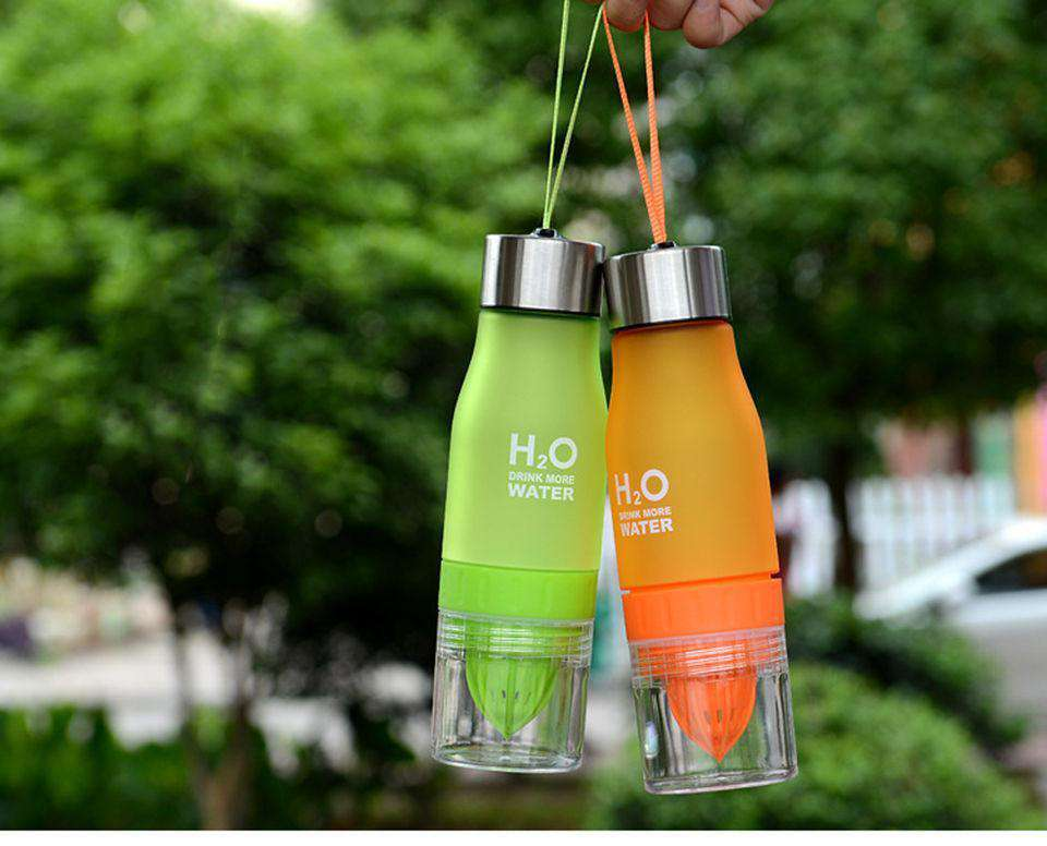 Meet H²0: THE AMAZING FRUIT INFUSION WATER BOTTLE  🍋🍊