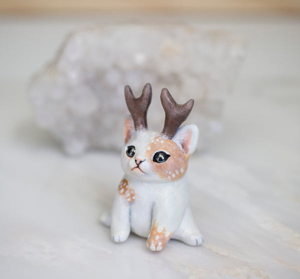 Piebald Kitty Figurine 2
