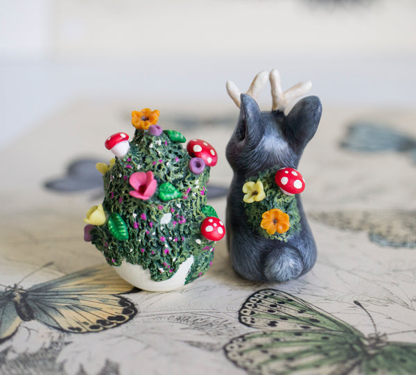 Black Bunnylope and Mossy Egg Set