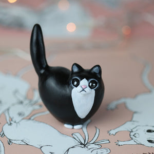 Tuxedo Heart Kitty Figurine - Fluffy Tail