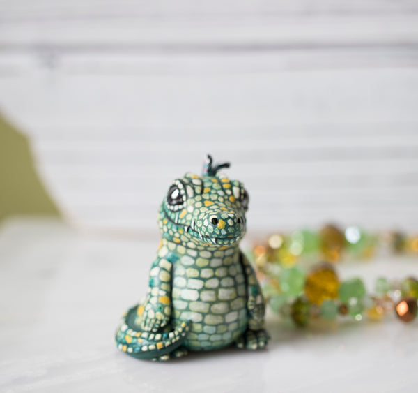 Little gator figurine