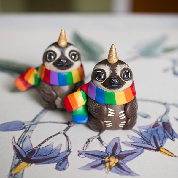 Rainbow Scarf Unisloth Figurine