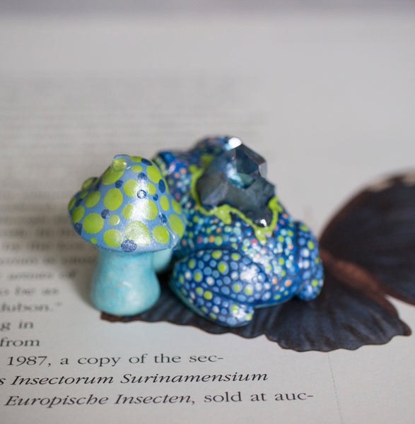 Blue Crystal Frog and Mushroom Buddy Figurines