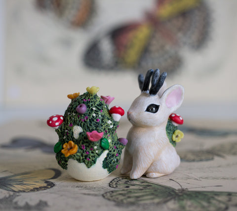 White Bunnylope and Mossy Egg Set