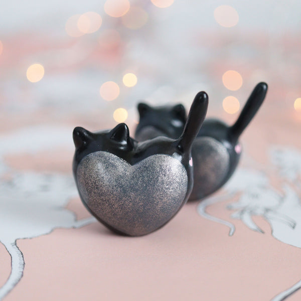 Black Heart Kitty Figurine