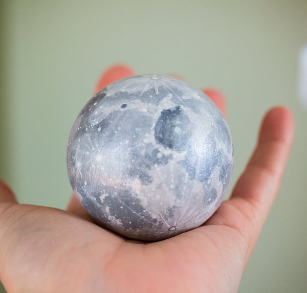 Medium Shimmery Moon Orb