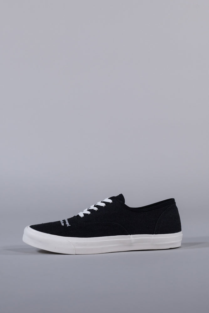 UNDERCOVER LOW-CUT SNEAKERS BLACK