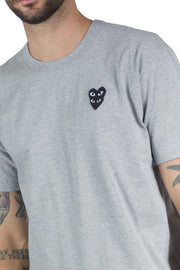 COMME DES GARCONS PLAY DOUBLE BLACK HEART LOGO TEE GREY
