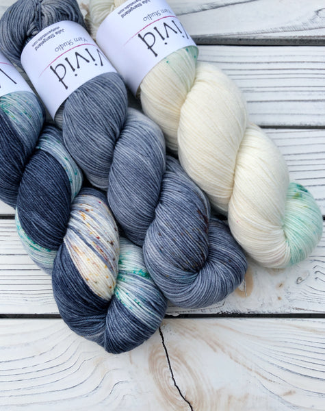 GLASS SLIPPER Kit Signature Sock Yarn