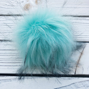 Aqua Pom Pom with snap