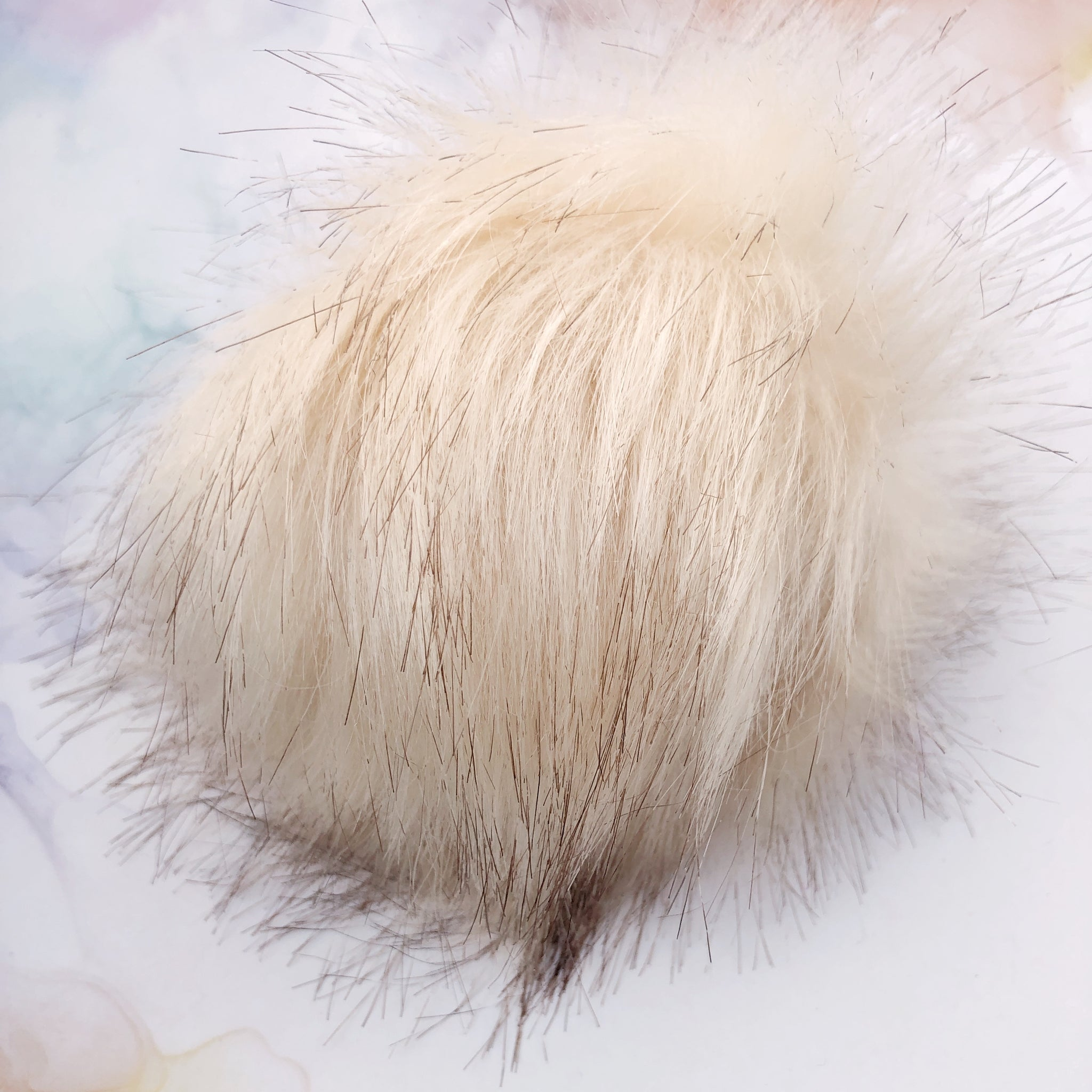 Cream Pom Pom with snap