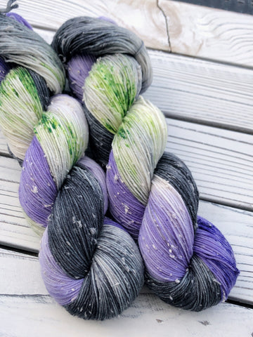 Haunted Mansion · Tweed Sock Yarn