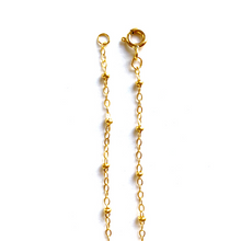 GOLD LILY + PEARL WITH CABLE CHAIN