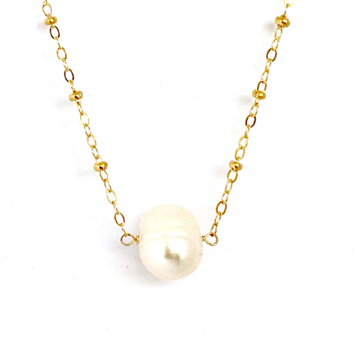 WHITE PEARL PENDANT WITH GOLD CABLE CHAIN