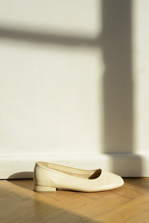 Margot Flats | Soft Creme