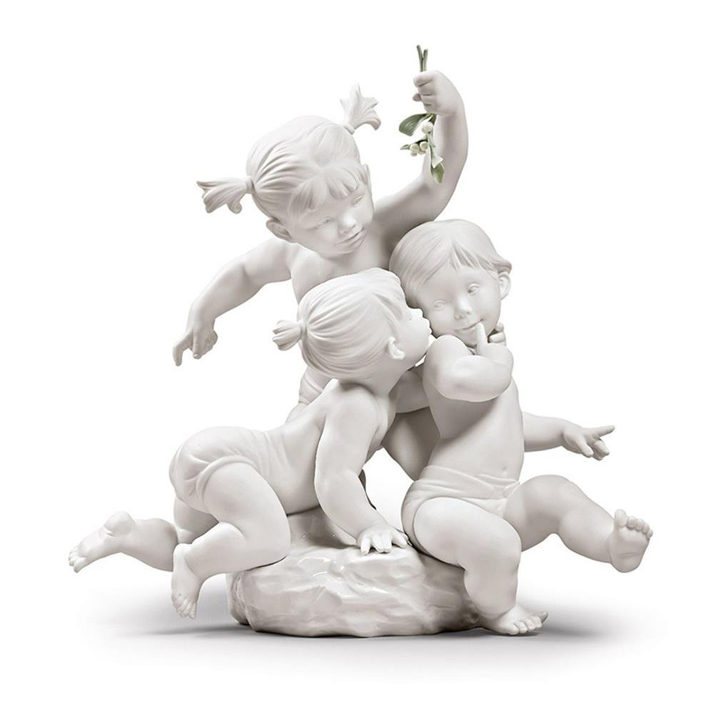 Lladro Home Accessories Default Kiss under the mistletoe Children Figurine