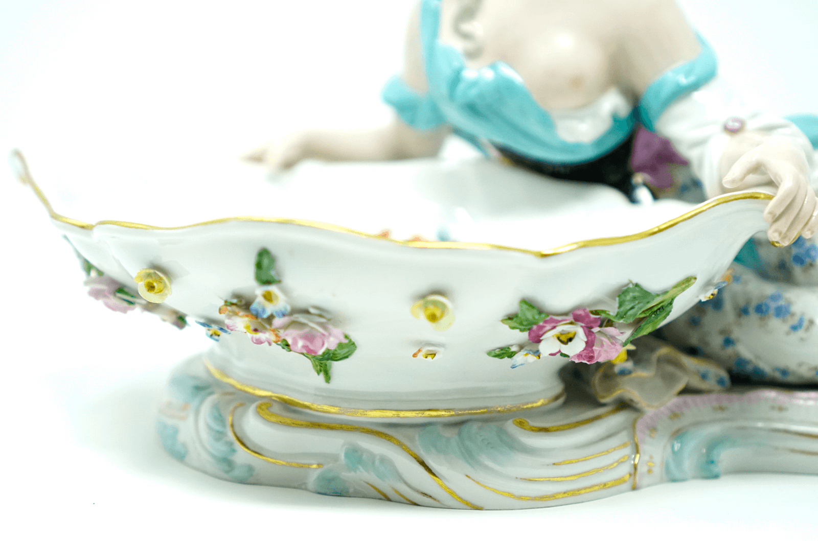 Meissen man and woman candy dish