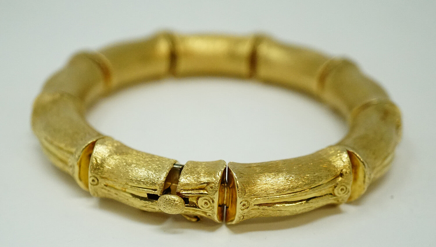 18k Bracelet by Ruth Satsky