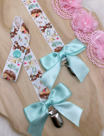 Magical woodland friends paci clip