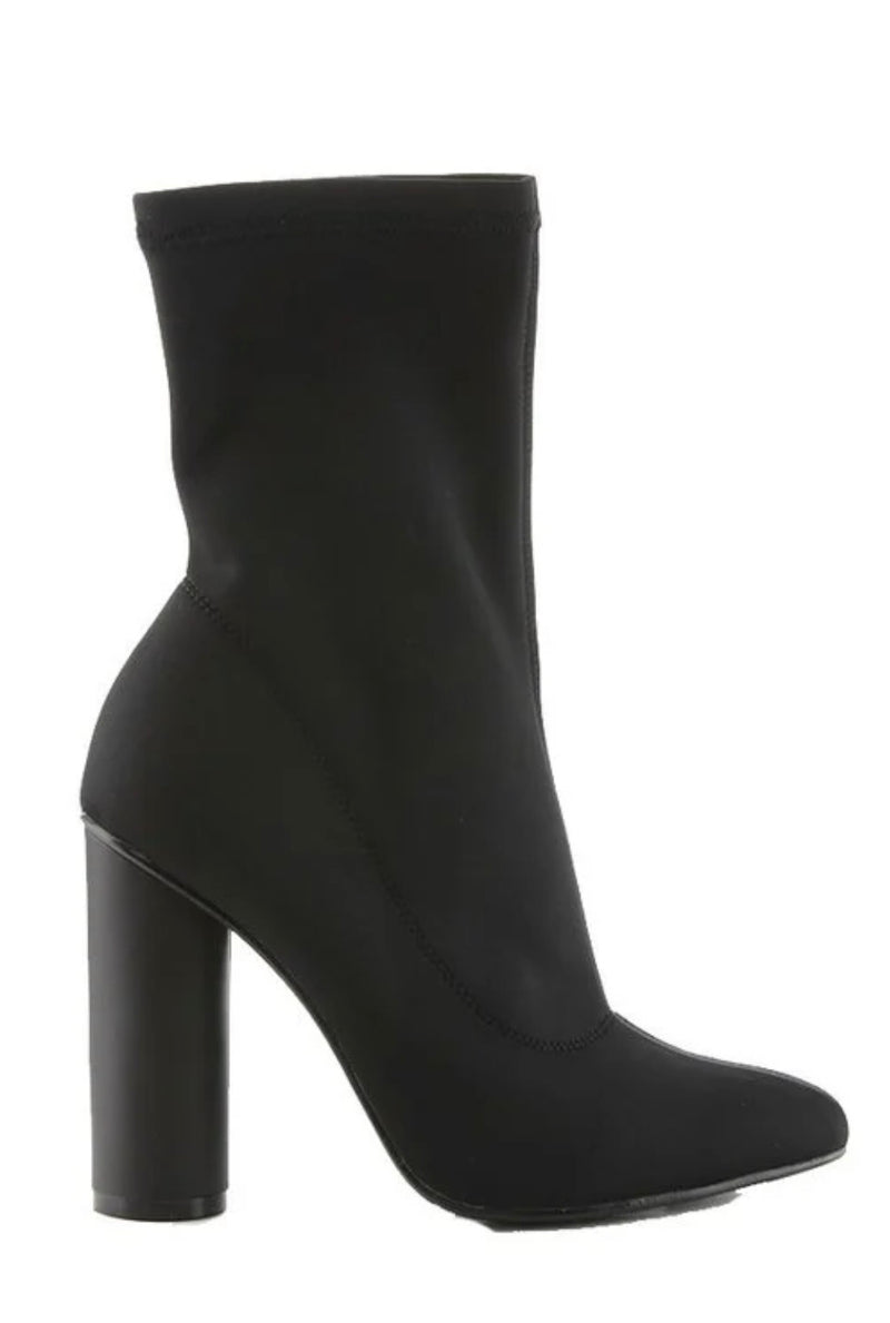 Gia Ankle Booties (Black)