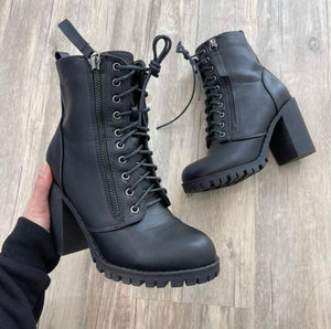 Mitchell Lace Booties (Black)