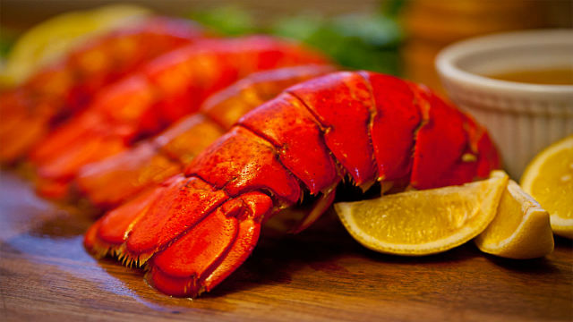 8 Maine Lobster Tails (5-6 oz)