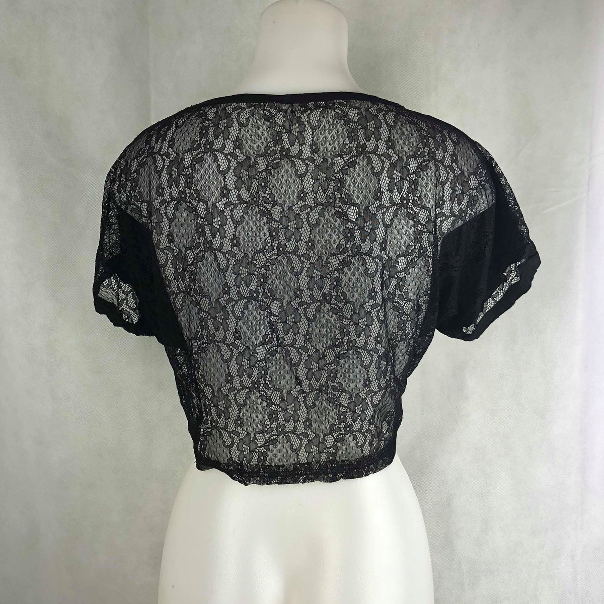 21f18d2eabc770 Black Lace Back Crop Top – Modny Shoppe