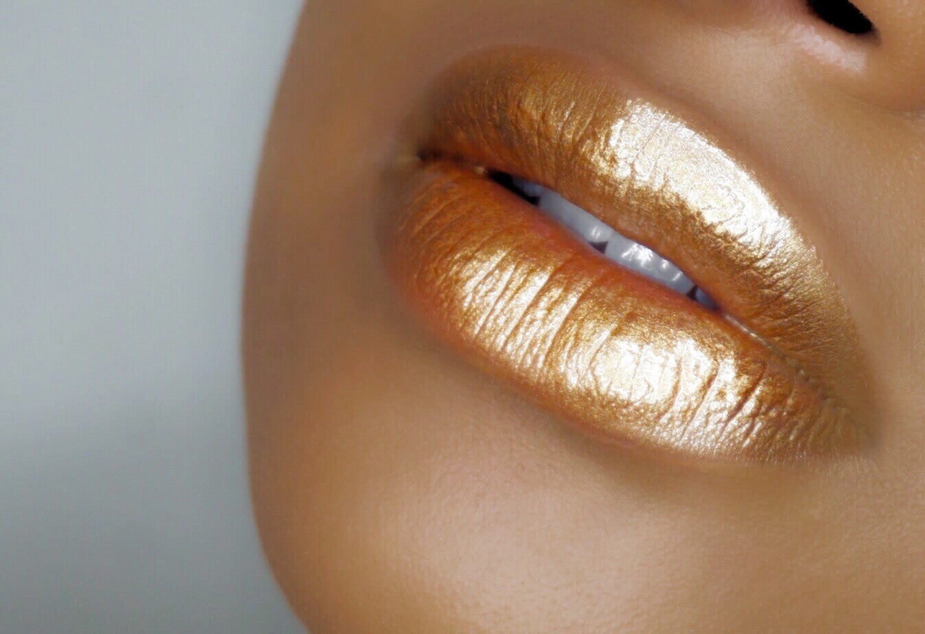 S+M Sultry and Matte, Miss Honey (Metallic Lipgloss)