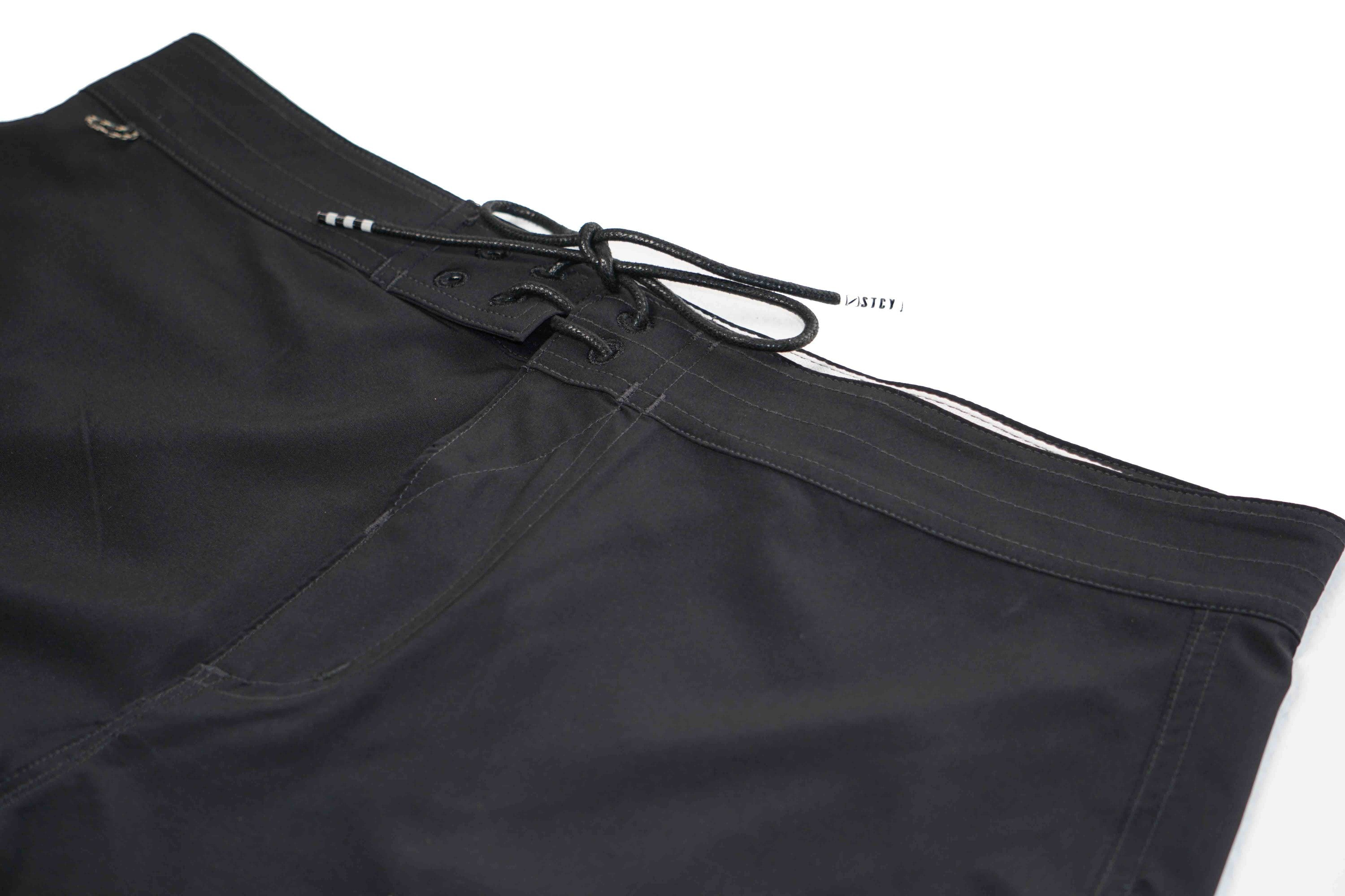 "FOUNDATION BOARDSHORT 17"" - BLACK"