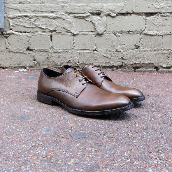 Rodeo Brown Tumbled Leather Derby - Gingers & Providence