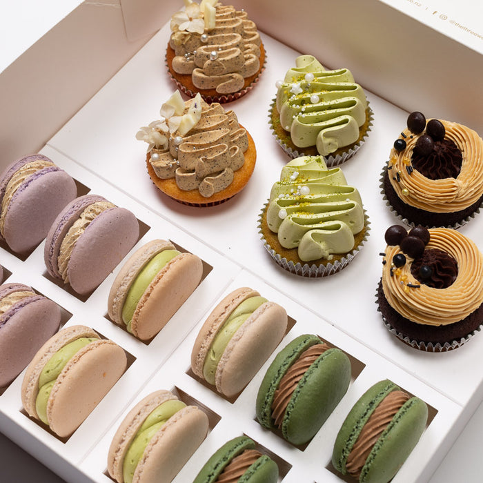 Coffee and Tea Flavours Cupcakes & Macarons Party Pack