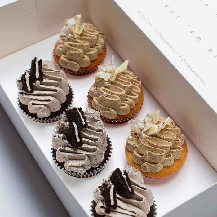 NATURAL COLOURS CUPCAKES SET