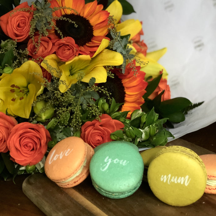 The Bright Bouquet & Macarons for Mum