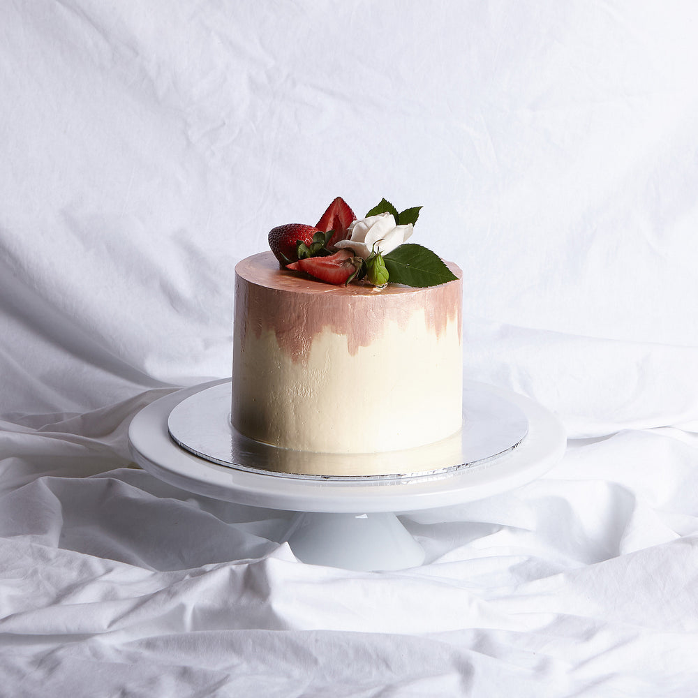 Vanilla & Strawberry Cake