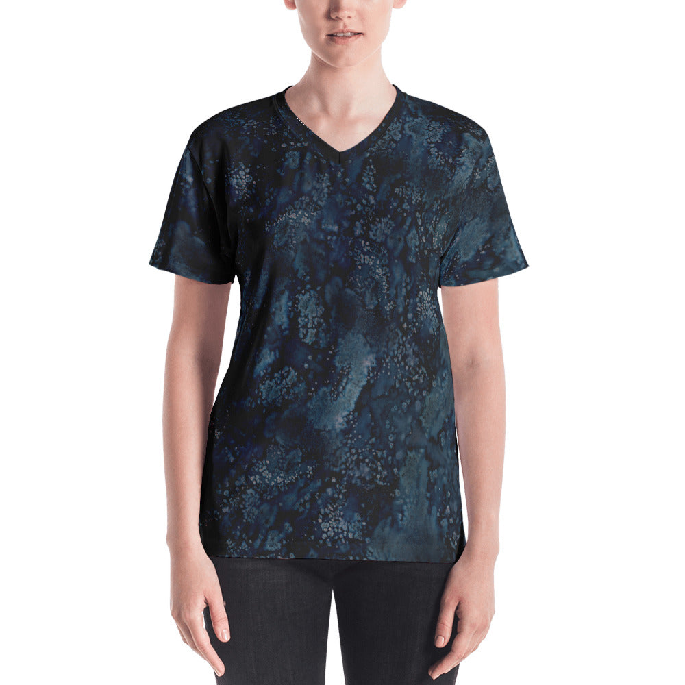 Ladies V-Neck T-Shirts: Blue Paisley Smudge Womens V-neck by MuchiUSA - Valroy's Store
