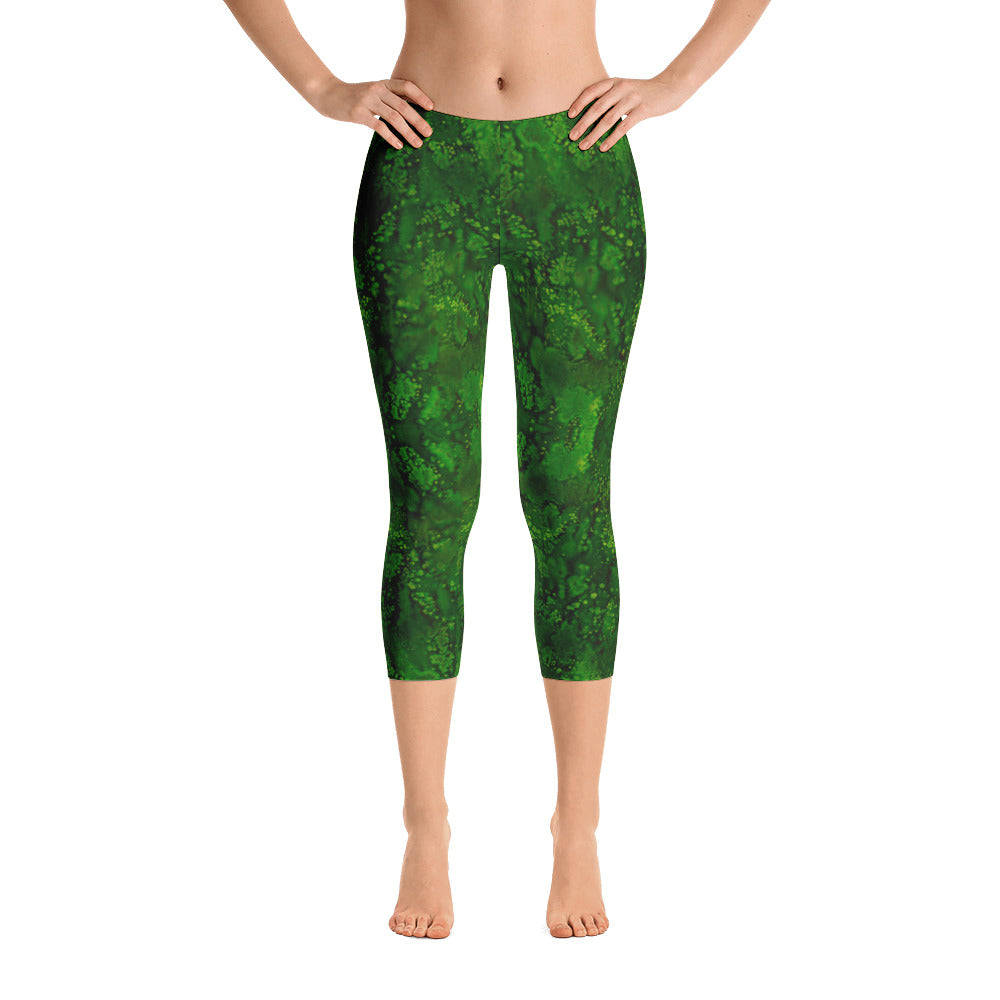 Ladies Capri Leggings: Emerald Paisley Smudge Capri Leggings by MuchiUSA - Valroy's Store