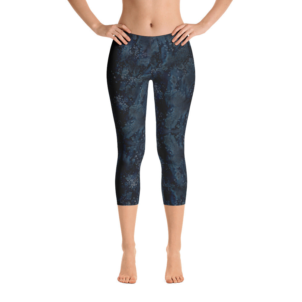 Ladies Capri Leggings: Blue Paisley Smudge Capri Leggings by MuchiUSA - Valroy's Store